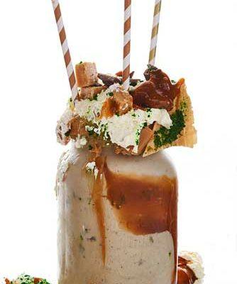 Peppermint-Caramel-Oreo-freek-shake